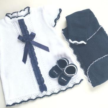 vestido bebitu blanco y azul marino-